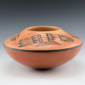 Lucas, Steve – Bowl with Three Bird Wings