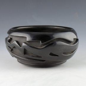 Naranjo, Teresita  – Bowl with Avanyu (1970's)