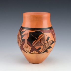 Tahbo, Dianna – Jar with Bird Tail Designs (2001)