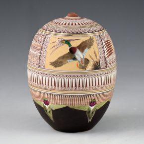 Nez, Wallace – Sgraffito Jar with Ducks and Hummingbirds (2004)