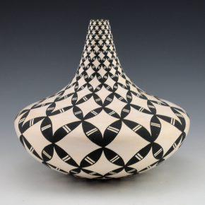 Torivio, Dorothy -Large Long Neck Jar with Yucca Design