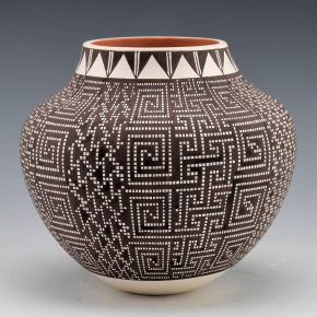 Antonio, Frederica – Jar with Eight Designs
