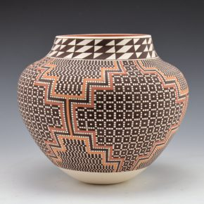 Antonio, Frederica – Jar with Starburst Designs