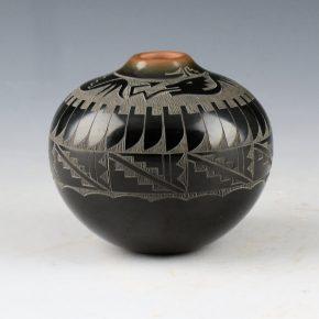 Naranjo, Geri  – Black-and-Sienna Jar with Avanyu & Feathers