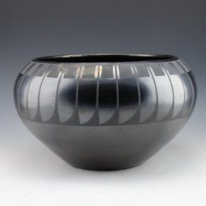 "Martinez, Maria – Large Bowl with Feather Pattern (1920's), ""Marie"""