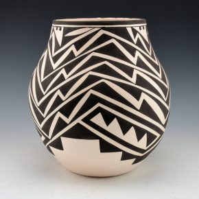 Sarracino, Myron – Jar with Lightning Design