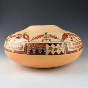Nampeyo, Rayvin – Large Jar with Moth Design