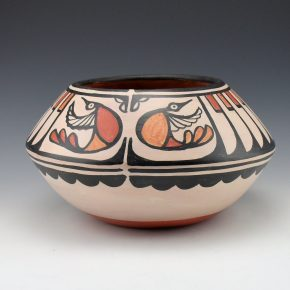 Tenorio, Robert  – Wide Jar with Feathers & Hummingbirds