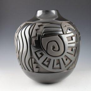 Begay, Daniel – Large Jar with Swirling Yei Figures