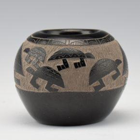 "Garcia, Gloria ""Golden Rod"" – Bowl with 8 Turtles"