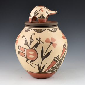 Medina, Elizabeth – Jar with Birds, Flowers & Turtle Lid