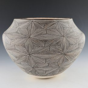 Lewis, Lucy – Large Jar with Interlocking Fine-Line Star Pattern (1970)