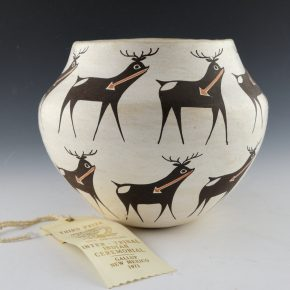 Chino, Rose – Jar with 16 Heartline Deer (1971)