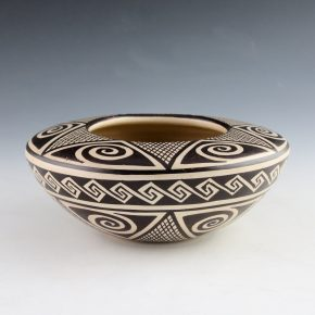 "Naha, Helen ""Feather Woman"" – Awatovi Star Design Bowl (1978)"