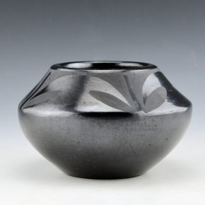 "Martinez, Maria – Jar with Plant Design ""Marie + Julian"" (1930's)"