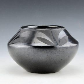 "Martinez, Maria – Jar with Plant Design ""Marie + Julian"" (1930's)"