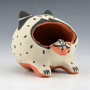 Arquero, Martha – Frog Clay Figure