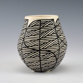 Davis, Titus – Jar with Fine-Line Rain Designs