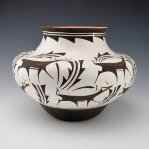Peynetsa, Anderson – Jar with 12 Heartline Deer