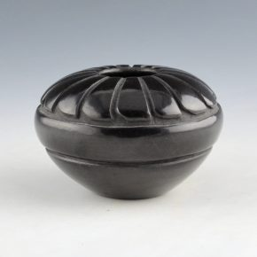 Chavarria, Denise – Bowl with 16 Feather Designs