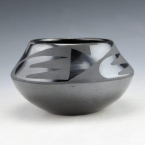 Martinez, Maria  – Bowl with Lightning Design  (Maria + Santana, 1954-6)