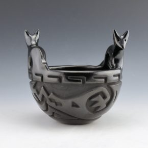 Cosen, Reycita – Carved Bowl with Fox Handles