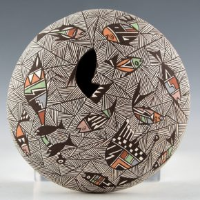 Lewis-Garcia, Diane – Seedpot with Mimbres Fish, Bird and Fine-Line Designs