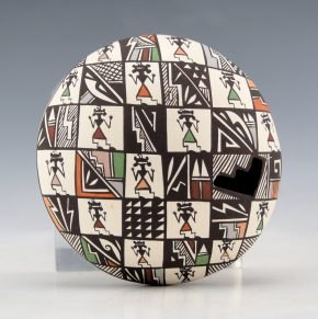 Lewis-Garcia, Diane – Seedpot with Mimbres Women and Geometric Patterns
