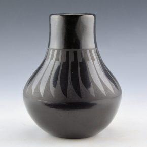 Gutierrez, Margaret Lou – Jar with Feather Pattern (1990's)