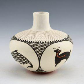 Roy-Keene, Adrianne – Corrugated Jar with Animal Medallions