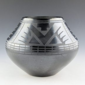 Sanchez, Desideria – Large Jar with Bird Wing Designs (1920's)