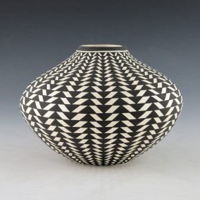 Estevan, Paula – Jar with Basket Weave Design