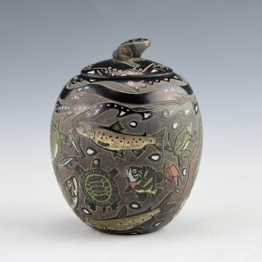 Tafoya, Jennifer – Jar with Fish, Turtles, Frogs and Frog Lid