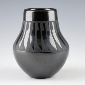 Gutierrez, Margaret Lou – Small Jar with Feather Pattern (1990's)