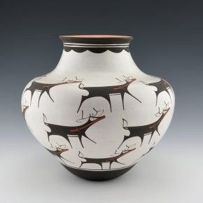 Peynetsa, Anderson – Water Jar with 18 Heartline Deer