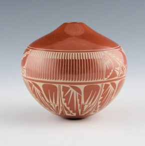 Curran, Dolores – Jar with Feather Designs