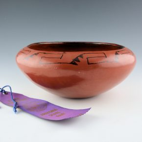 Sunn, Mabel – Large Bowl with Wind Designs (1967) with Ribbon