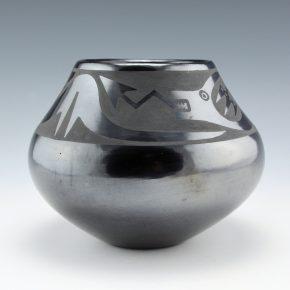 Martinez, Maria – Gunmetal Jar with Avanyu (Maria Popovi 463)