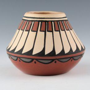 Vigil, Minnie – Polychrome Jar with Feather Pattern (1980's)